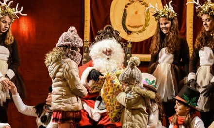 Papá Noel llegó a Segorbe acompañado de renos y muñecos de nieve