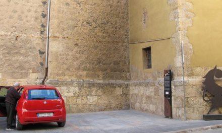Las hogueras de San Antón deterioran el Seminario de Segorbe