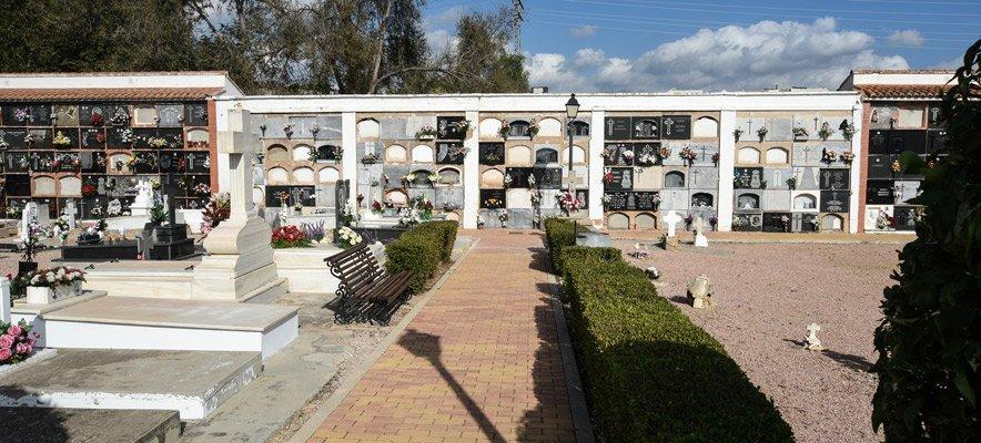El Ayuntamiento sepulta los restos exhumados del Cementerio de Segorbe