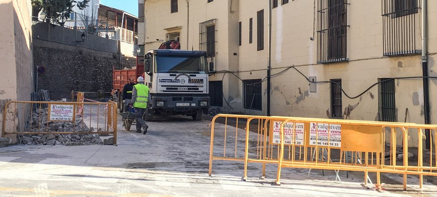 Trabajos de reparcheo y mejora de calles en Segorbe