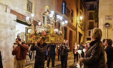 El traslado del Santo anuncia hoy la festividad de San Antón