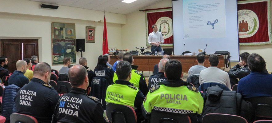 Los policías y los empleados públicos de la comarca beneficiados por el PP