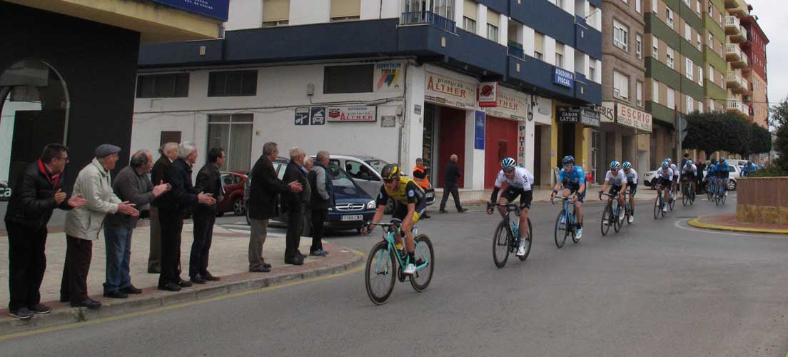Valverde se adelanta al pelotón y gana hoy la etapa de Volta