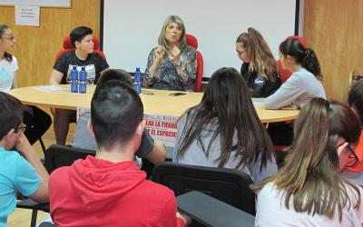 Medio Millar de jóvenes en el Encuentro de los Estudiantes con Max Aub