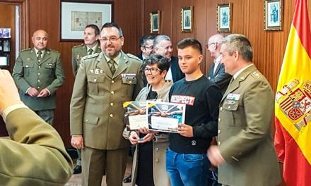 Un estudiante de Geldo gana un premio en el Concurso Cartas a un militar