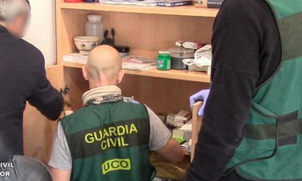 Desarticulan una red de fabricación de medicamentos ilegales