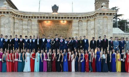 © 110 jóvenes del Alto Palancia celebran su graduación