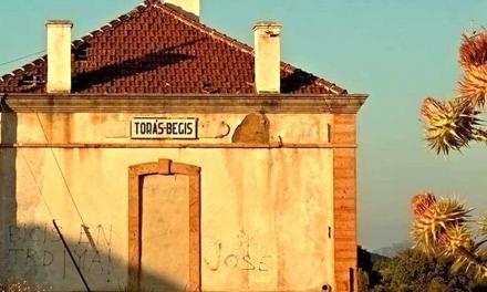Adif cede a Torás la antigua estación para hacer un albergue