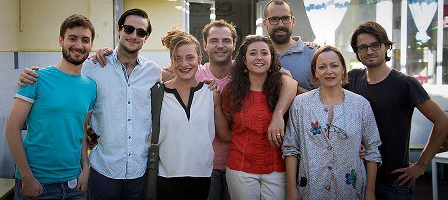 El castellnovero Adrián Novella recogió ayer en Sevilla su Premio Max