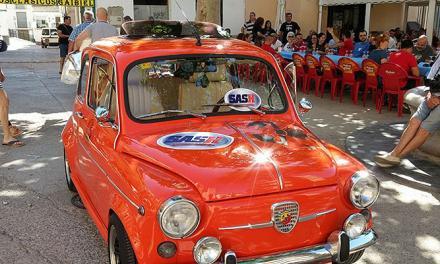 Gaibiel celebra la III Concentración de Vehículos Clásicos