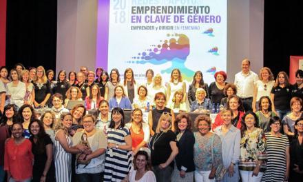 Las mujeres emprendedoras llenan el Teatro Serrano de Segorbe