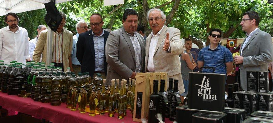 Diputación respalda la venta y consumo del aceite de Viver