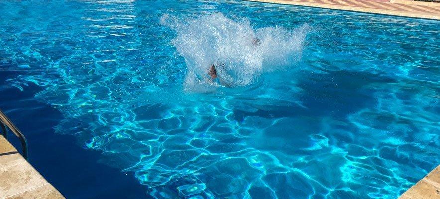 Altura y Soneja abren las piscinas la Noche de San Juan