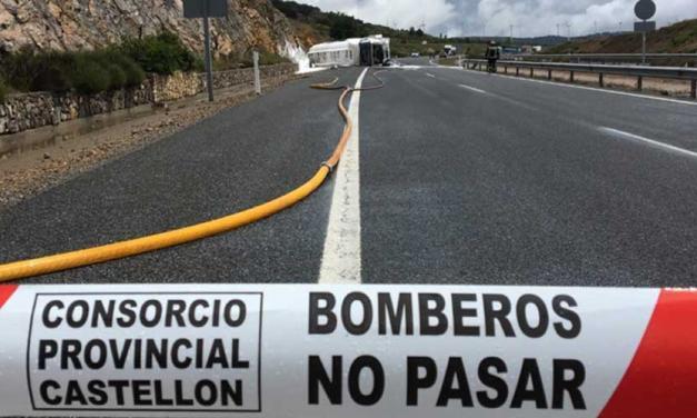 El accidente de un camión en Barracas obliga a activar  la Emergencia 1