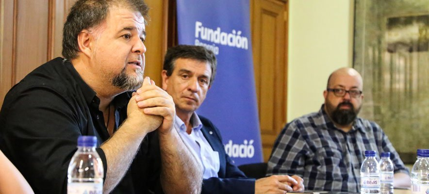 El guitarrista Adrián Rius presentó un libro sobre Francisco Tárrega