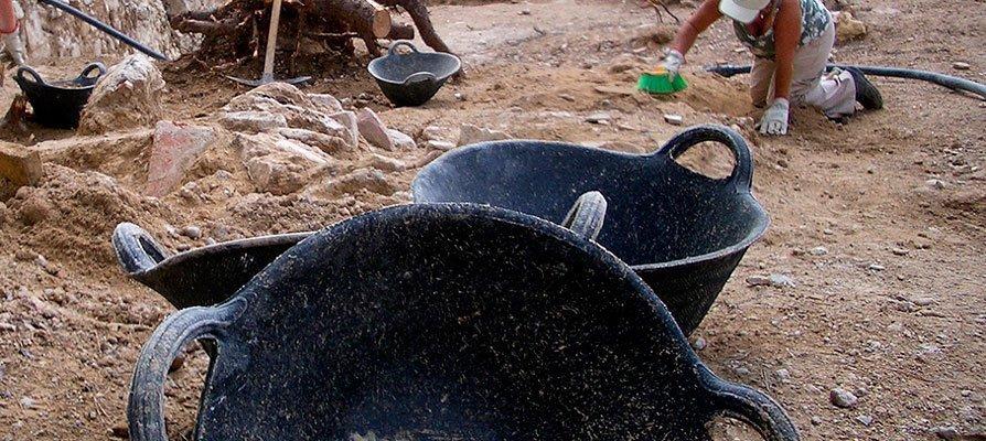 El IVAJ inició ayer un campo arqueológico en Viver
