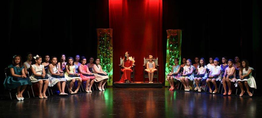 Segorbe ofrece un emotivo homenaje a las Reinas de las Fiestas