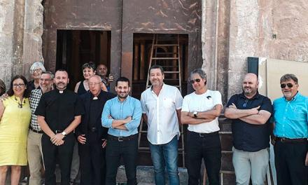 Vicent Marzà visita la Iglesia de Vall de Almonacid