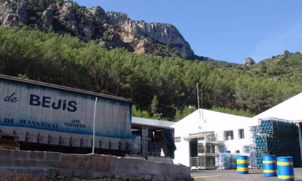 Bejís reduce la deuda gracias a la embotelladora municipal