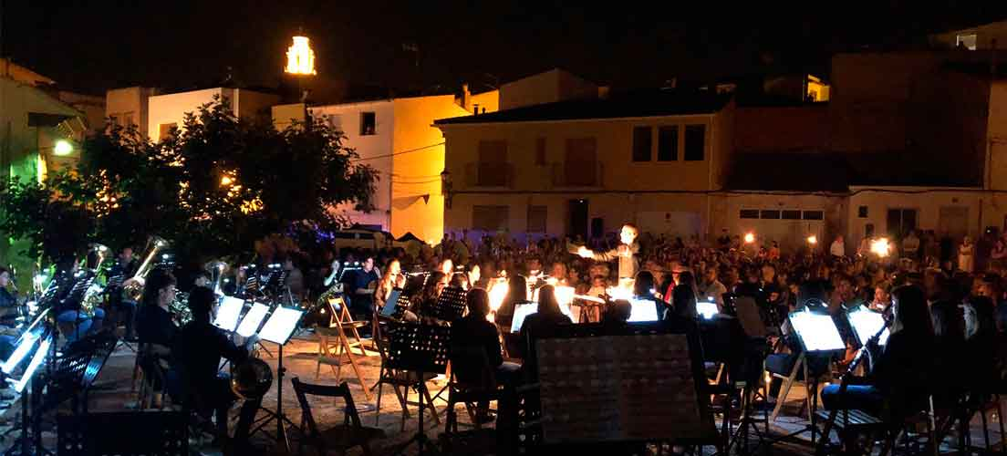 La UMCA ofrece un concierto a la luz de las velas