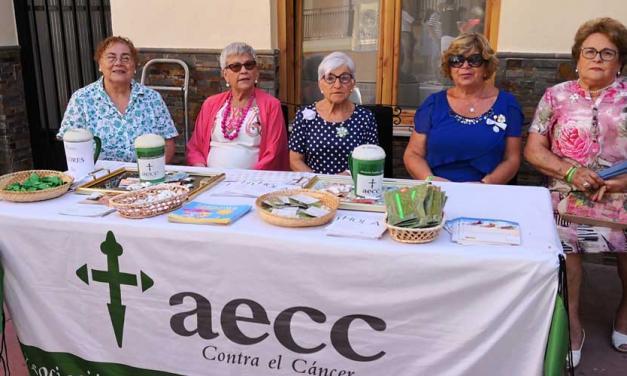 Navajas saca a la calle una mesa de cuestación contra el cáncer