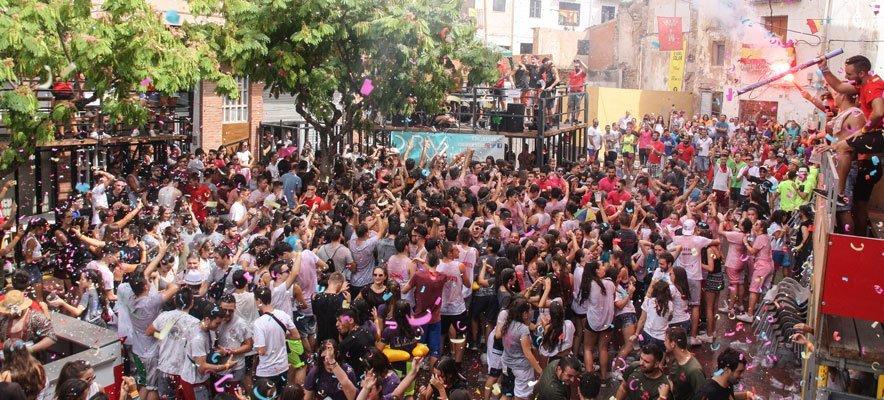 Casi 700 jóvenes participan en el Chupinazo de Segorbe