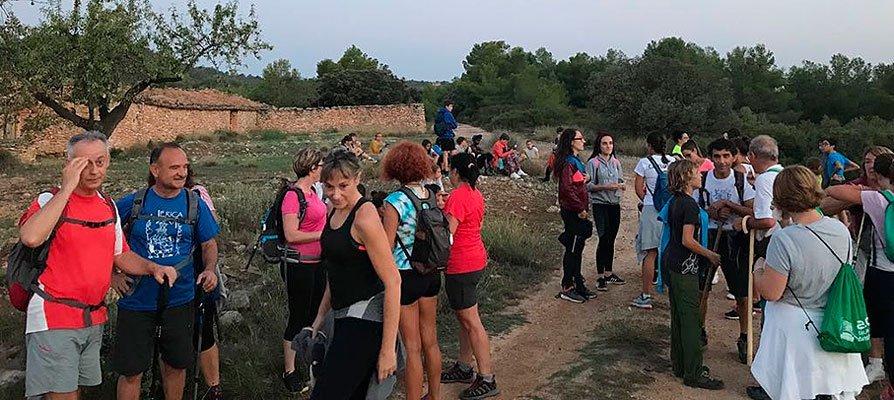 Los vecinos de Jérica suben en romería a la Cueva Santa