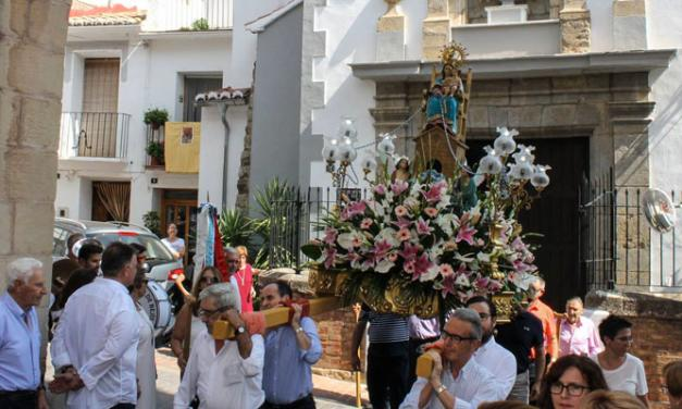 Los vecinos de Bejís celebran la festividad de su patrona