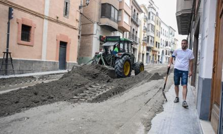 Retiran 400 Toneladas de tierra de las calles de Segorbe