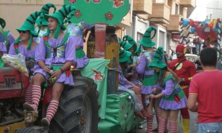 Soneja incluye un recortable de San Miguel en el programa de fiestas