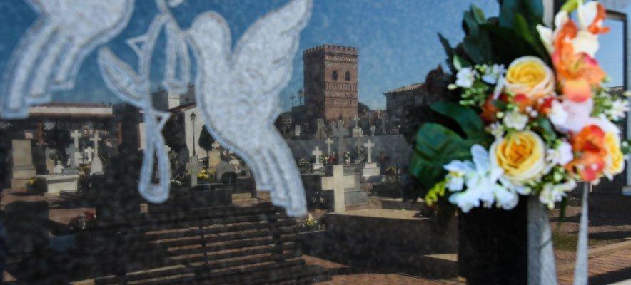 Adecentan y amplían el horario de apertura de los cementerios