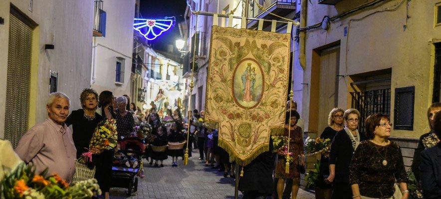 Castellnovo celebra la Fiesta de las Clavarias