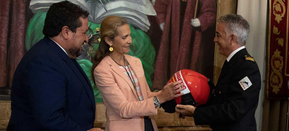 La infanta Elena y Moliner inauguran el I Congreso de Riesgos y Emergencias