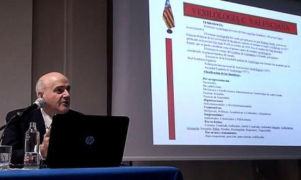 El segorbino Ramón Gimeno habla de vexilología en la Academia Valenciana