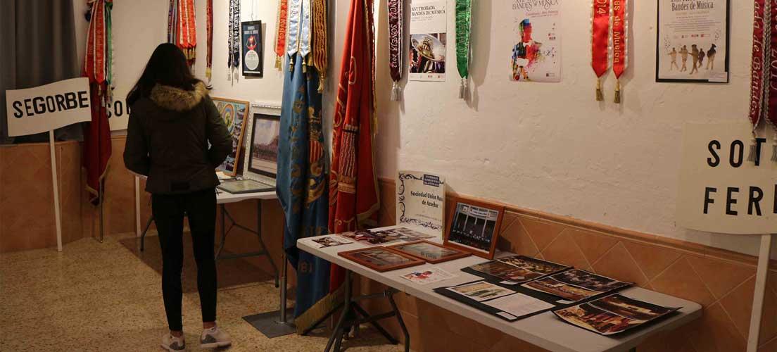 Navajas abre una exposición sobre las Trobadas de Música
