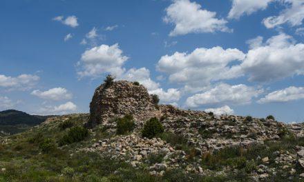 Los vecinos de Bejís deciden plantar árboles en el Castillo