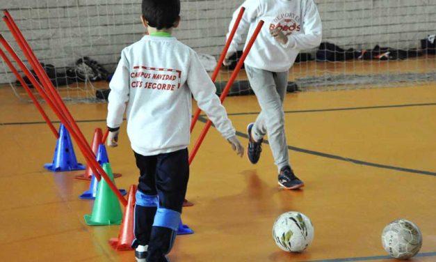 El CDFS reúne a 65 niños en el Campus de Navidad