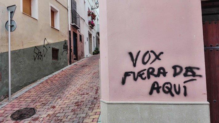 Realizan pintadas contra Vox en Segorbe