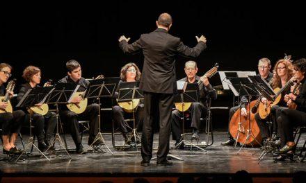 Exitoso concierto de Pulso y Púa en el Teatro Serrano