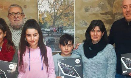 Los alumnos del aulario de Teresa reanudan las clases con  tablets