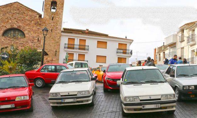 Almedíjar reúne a medio centenar de coches clásicos