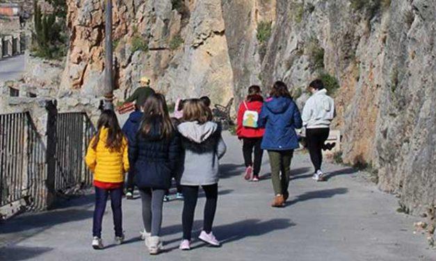 Los escolares de Bejís y Segorbe celebran el Día del Árbol