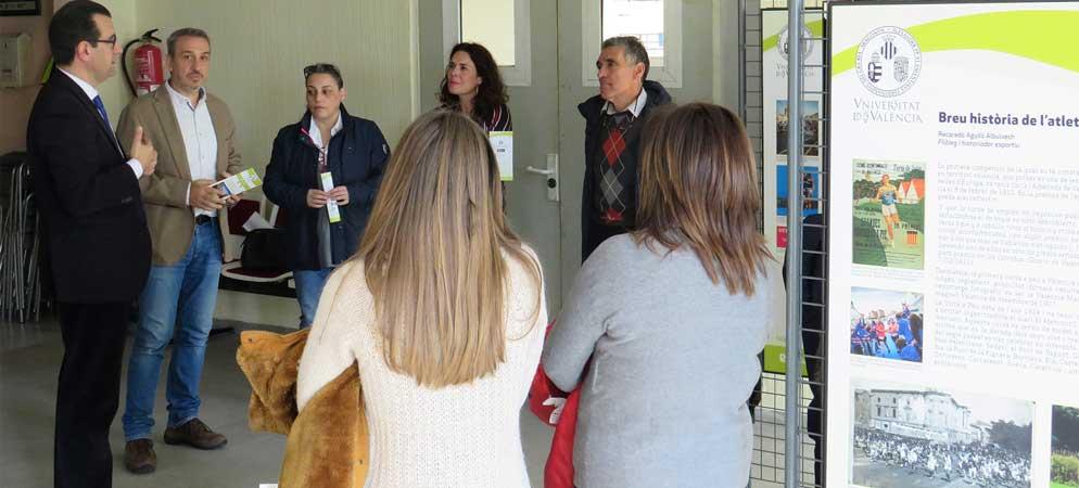 Jorge Hermosilla visita la muestra Territorio Valencià