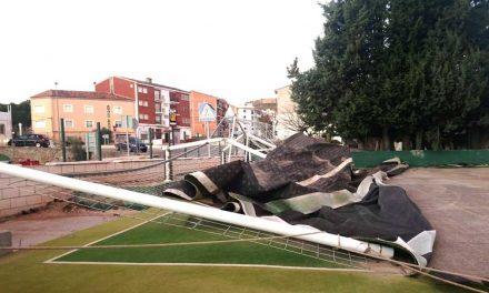 El polideportivo de Bejís queda destrozado por el viento