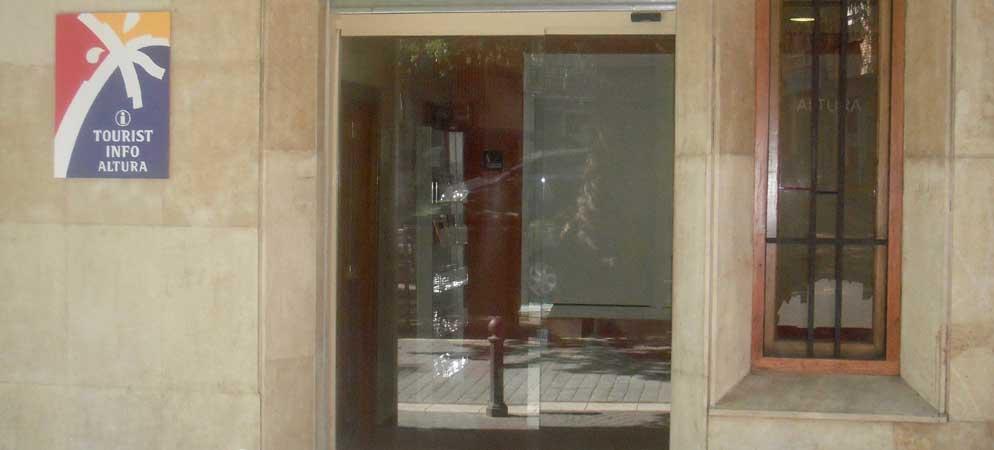 Altura quiere reabrir la Tourist-Info de la plaza del Árbol