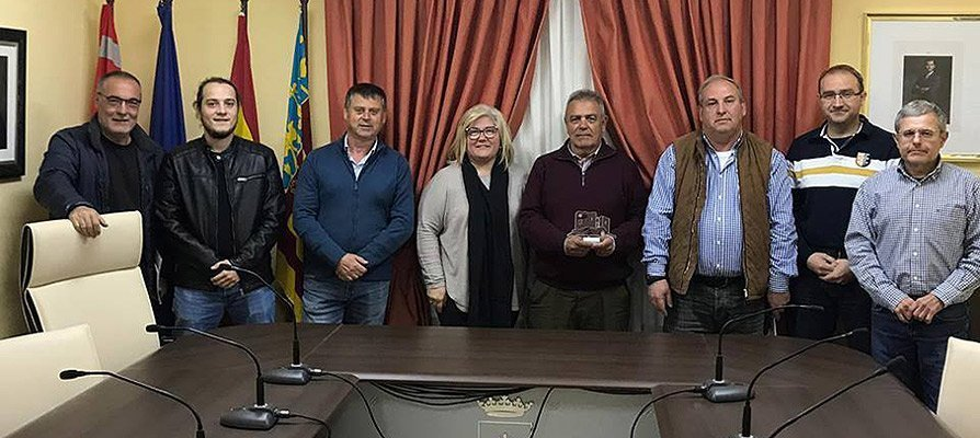 Castellnovo ofrece un homenajea a su Juez de Paz