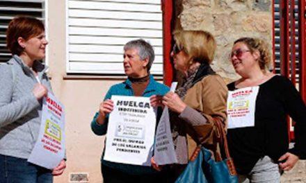 Las limpiadoras abandonan la huelga aunque siguen sin cobrar