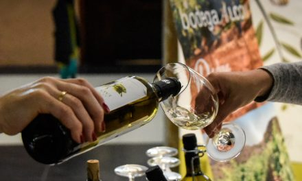 El vino Alcoví blanco 2018 de Almedíjar es premiado por PROAVA