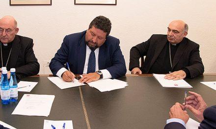 Diputación firma un convenio con los obispados para restaurar patrimonio