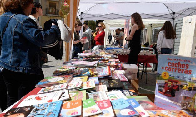 Segorbe celebra la Feria del Libro en la plaza Agua Limpia